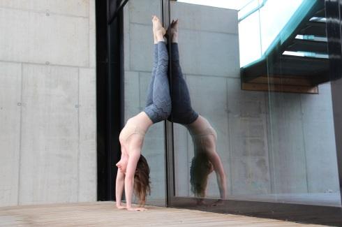 Heartopener Handstand